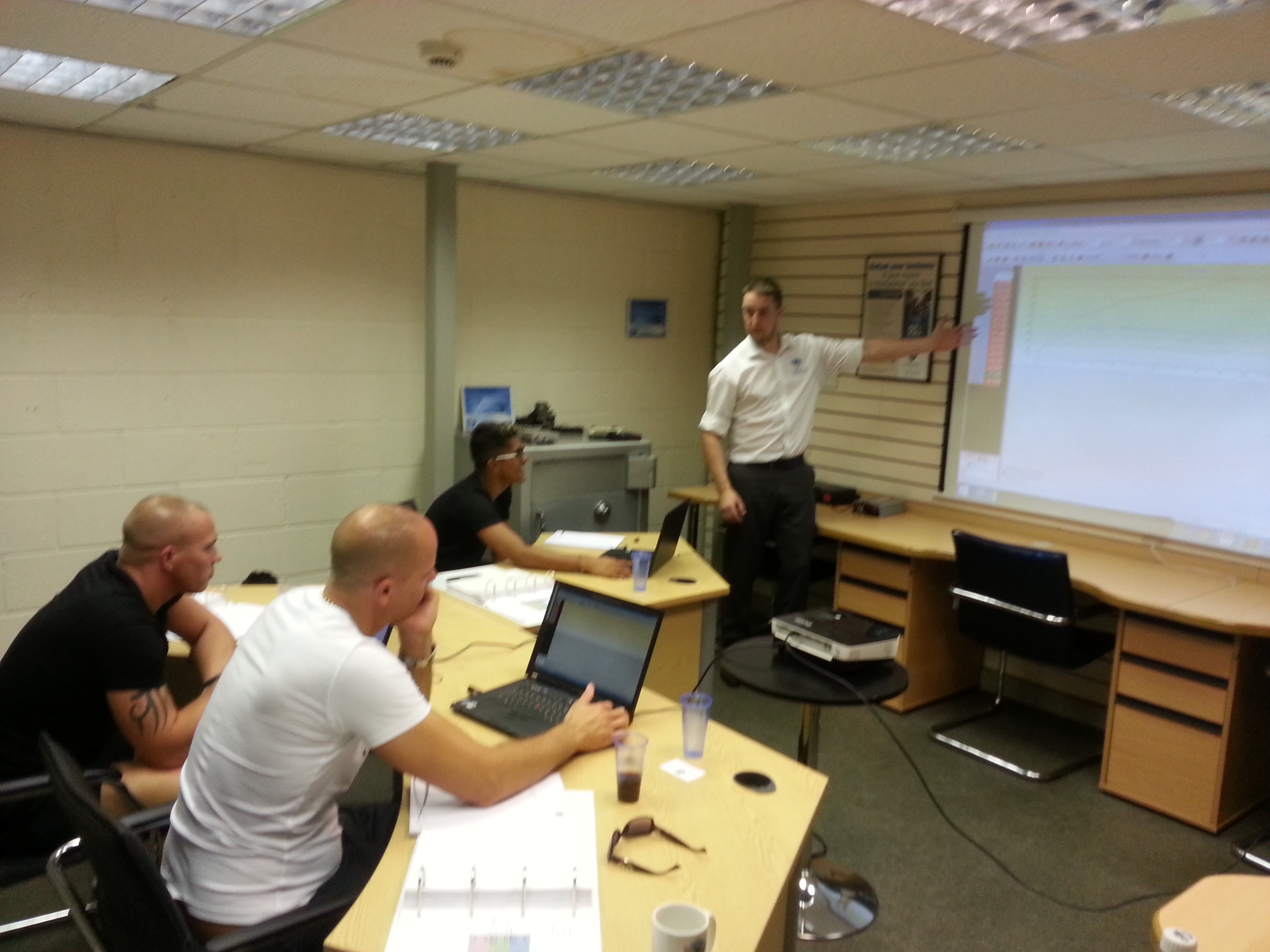 ecu remapping training with royal recognition viezu. Black Bedroom Furniture Sets. Home Design Ideas
